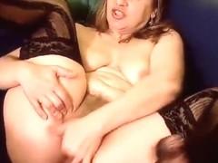 SexyMilf fingering her vagina