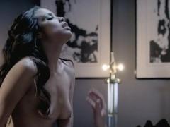 Mirtha Michelle sex scenes in 'Femme Fatales' s2e5
