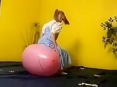 Fetish Palooza: German Balloon Pop