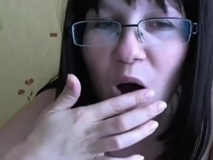 A homemade masturbation video in which I drill my bun