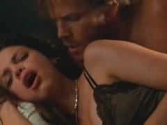 Vanessa Ferlito,Maria Soccor in Shadowboxer (2005)
