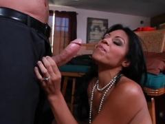Cassandra Cruz activates John Strong's gun