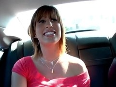 Amateur beauty sucking bis penis in a car