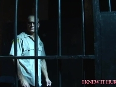 Guard Late Pay Prisoner