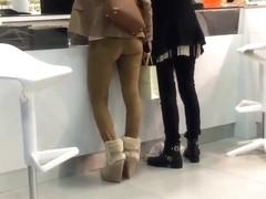 Voyeur tight ass shopping
