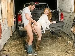 Madelyn Rose & Seth Gamble in Ohio Amateurs, Scene #02