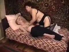Mature woman with gigantic ass gives head and then she fucks me on top