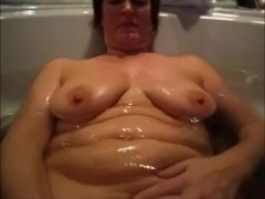 Wife masturbates and gives me bathtub BJ