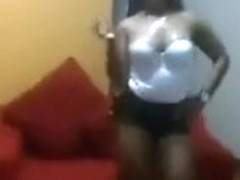 Bootylicious chocolate girlfriend shakes her obese arse like crazy