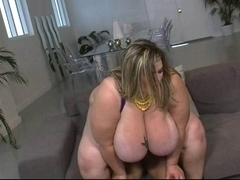 Plump Blond screwed