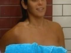 BBUSA15  Amanda boobs in shower