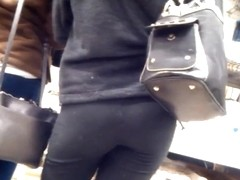 Chick with little round ass in black leggings