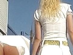 Hawt blond upskirt