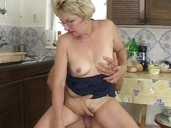 If Mama Make A Sandwich Will You Fuck And Feed Her Your Cum?