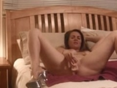 Hot MILF Seduces Son's Friend - negrofloripa