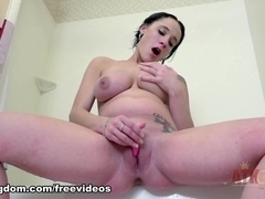 Rilie Waters : Pregnant Movie