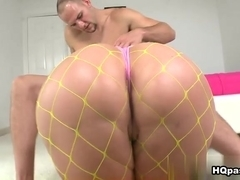 Jmac, Gieselle Tayler in Curvylicious Video