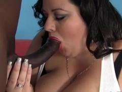 BBW Desiree Devine's huge body is fucked interracially