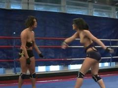 Hot babes fighting feat. Melanie Memphis