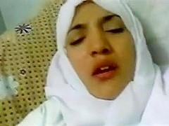 Amateur arab lady getting fucked