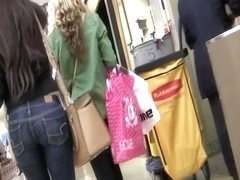 Ass Shoping at the Mall 2