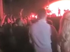 Blowjob in the middle of the concert