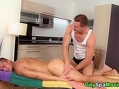 Amateur straighty turned by skilled masseur
