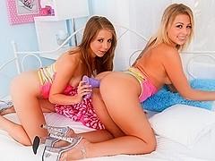 Zoey Monroe,Chastity Lynn in Lil' Gaping Lesbians #07, Scene #05