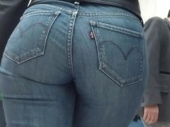 Sexy Huge Jeans Ass - Rico culo en mezclilla