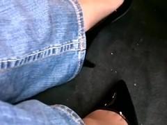 Passenger side heel play