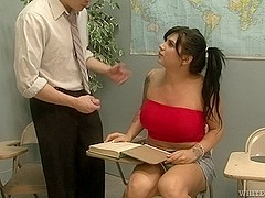 Shemale with big tits receives a well deserved blowjob