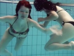 UnderwaterShow Video: Mia nd Petra