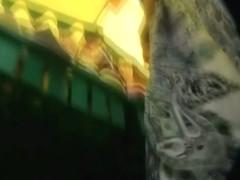 Mature amazing ass in close upskirt video