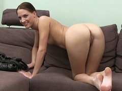 Casting Lien's mouth and pussy