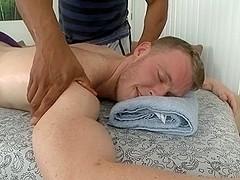 Satisfying gay massge
