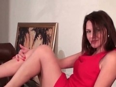 Mature milf works her hairy pussy