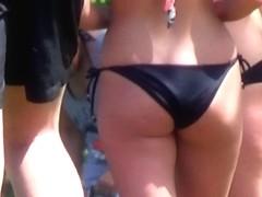 Candid - Bikini Gazoo At The Public Swimming Pool