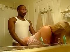 Great interracial sex in bathroom