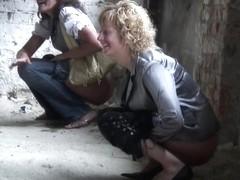 Girls Pissing voyeur video 300