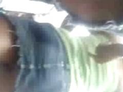 ESPIANDO BAJO FALDITAS LIMA 2