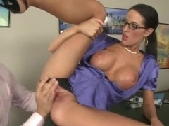 Sexual milf Kortney Kane licked by Ramon