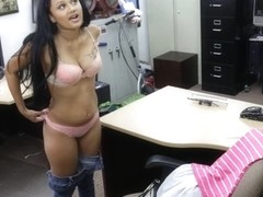 Amateur babe pawns her pussy and pounded at the pawnshop
