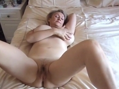 Mature gets creampie