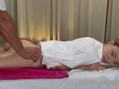 Amazing sensual erotic massage