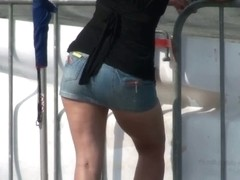 Sexy tanned ass bending over the tracks