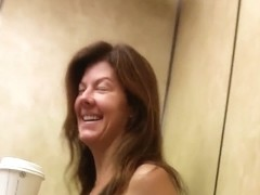 hot gym MILF, spandex on elevator