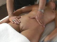 Little Mutt Video: Sadie Sweet Massage