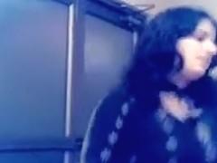 2 Hindu wonderful cleavage cuties dancing