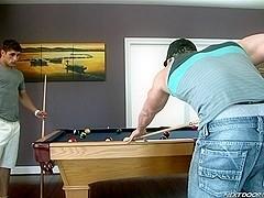 NextDoorBuddies Video: Switching Pockets