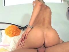 Blonde slut Taylor Tilden pleasures filthy cable guy